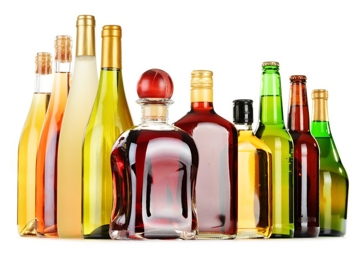 Aufkleber Flaschen sortiert alkoholische Getränke isoliert auf ...