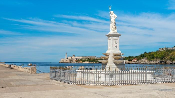 Vinylová Tapeta Zátoka Havany se starou sochou Neptuna - Amerika