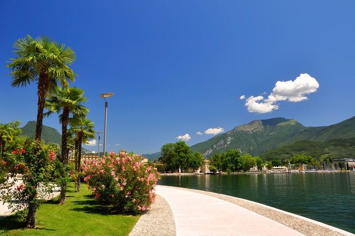 Vinylová Tapeta Město Riva del Garda.Italy - Evropa