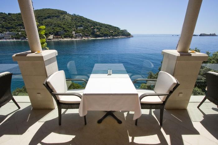 Fototapete Tisch Für Zwei Mit Meerblick Auf Restaurant Terrasse