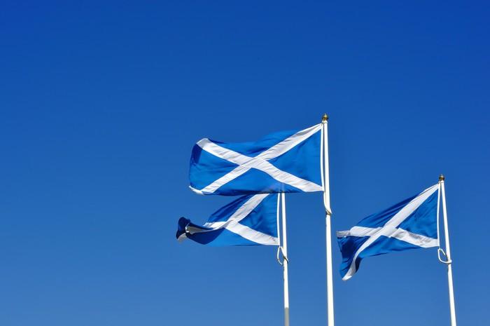 Vinylová Tapeta Tři skotské nebo saltire vlajky vlající ve větru - Evropa