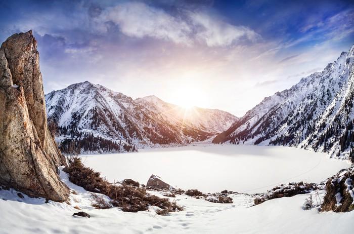 Carta da parati inverno lago di montagna pixers for Carta da parati per casa in montagna