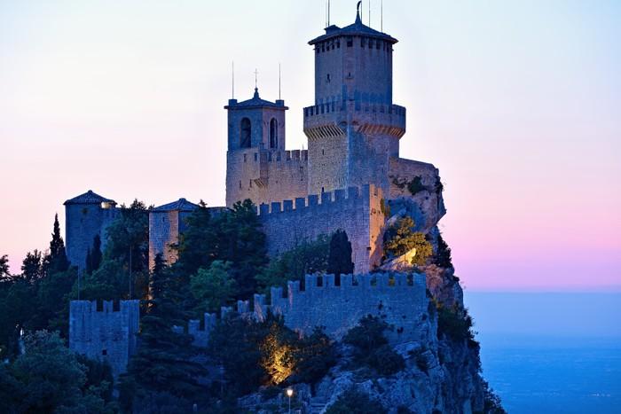 Vinylová Tapeta San Marino hrad - Témata