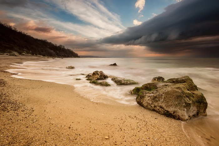 Vinylová Tapeta Ohromující zimní slunce s rozbouřeném moři - Přírodní katastrofy