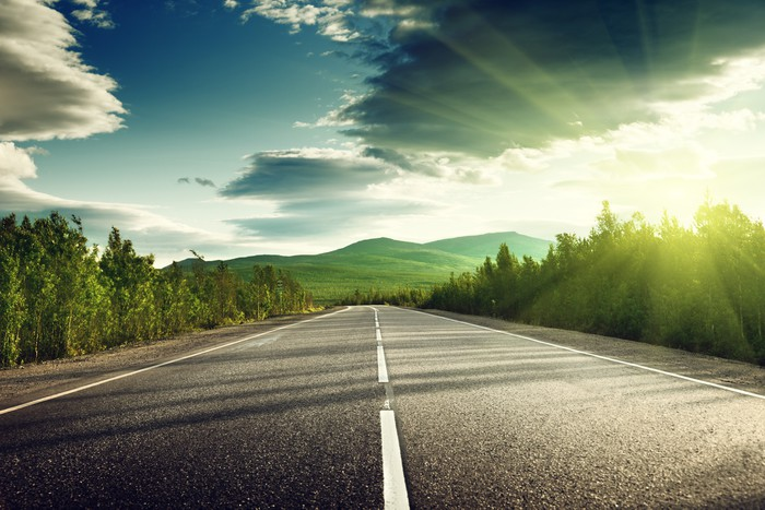 back road A backroad is a secondary type of road, usually found in rural areas in north carolina, where they are also referred to as blue roads, the roads are often constructed of gravel, and are one or two-laned roads off larger roads such as parkways.