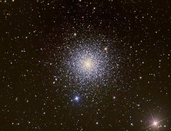 Vinylová Tapeta Cluster M3 Hvězda - Témata