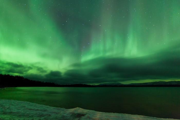 Vinylová Tapeta Aurora borealis noční nebe nad zamrzlém jezeře Laberge - Přírodní krásy