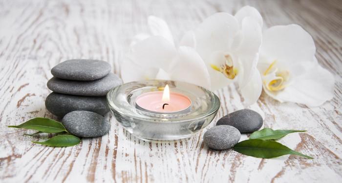 fototapete spa set mit wei en orchideen pixers wir. Black Bedroom Furniture Sets. Home Design Ideas