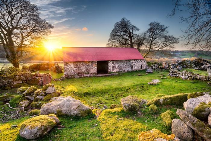 Vinylová Tapeta Old Barn při západu slunce - Evropa
