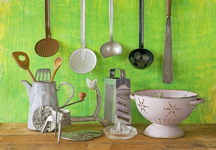 Tableau sur toile divers ustensiles de cuisine vintage for Ustensiles de cuisine retro