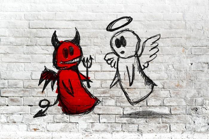 Fototapeta Winylowa Anioł i diabeł walki; doodle rysunek na białym tle ceglanego muru - Tła