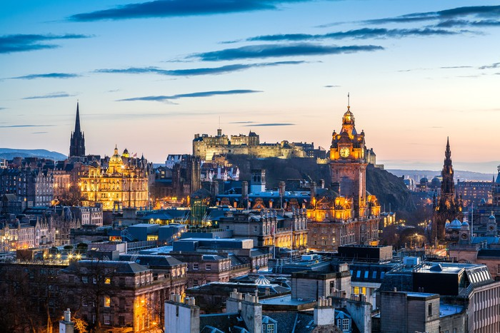 Edinburgh evening skyline hdr wall mural pixers we for Edinburgh wall mural