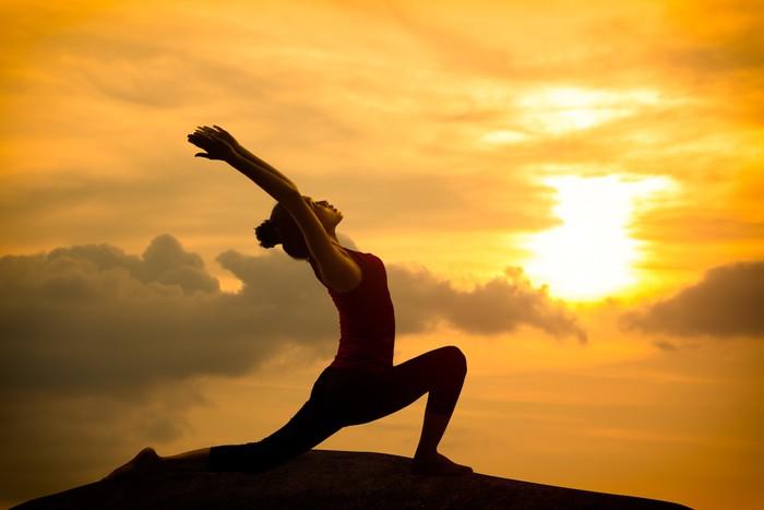 fototapete junge asiatische frau praktizieren yoga. Black Bedroom Furniture Sets. Home Design Ideas