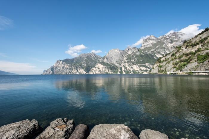 Vinylová Tapeta Gardské jezero Hory - Evropa