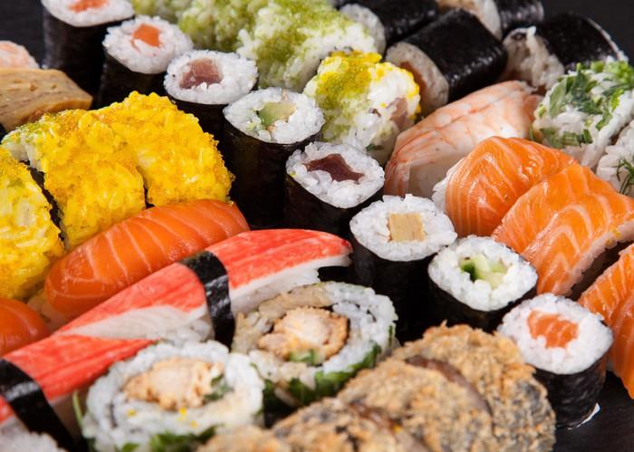 Vinylová fototapeta Japonský mořské plody sushi set - Vinylová fototapeta