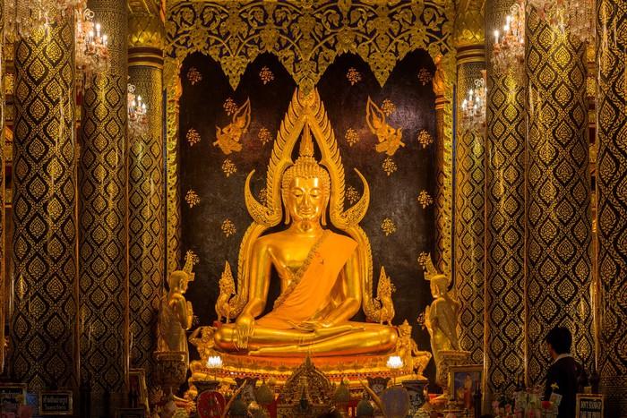 Vinylová Tapeta Phra Buddha Chinnarat na Phra Si Rattana Mahathat chrámu - Náboženství