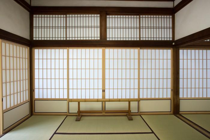 papier peint salle de washitsu chambre de style japonais avec tatami kyoto japon pixers. Black Bedroom Furniture Sets. Home Design Ideas