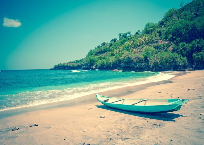 Vinylová Tapeta Indonesia.Bali.Traditional národní loď na pobřeží oceánu - Asie