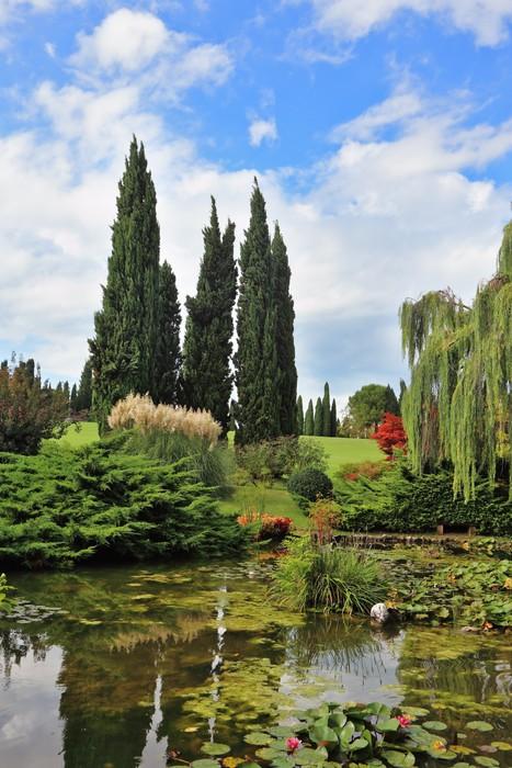 Vinylová Tapeta Pohádkově krásná italská zahrada Sigurtà. - Evropa