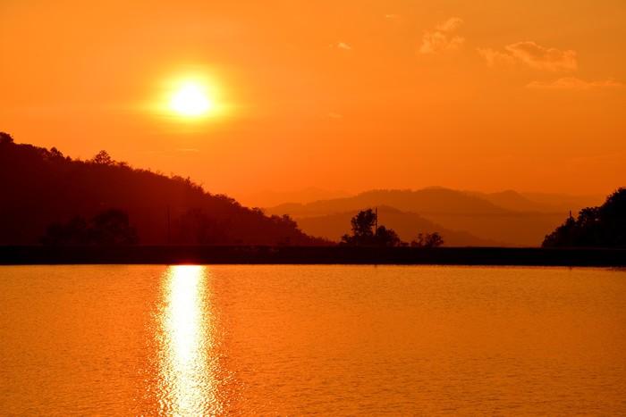 Vinylová Tapeta Západ slunce u jezera - Nebe