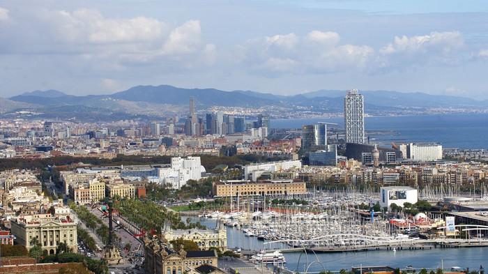 Vinylová Tapeta Panoramica del Puerto de Barcelona - Témata