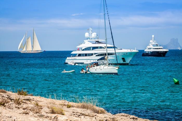 Vinylová Tapeta Luxusní jachty v tyrkysové pláže Formentera Illetes - Evropa