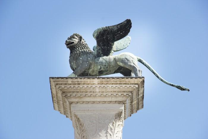 Vinylová Tapeta Okřídlený lev St Mark Benátky symbol na jeho sloupci. Itálie - Evropská města