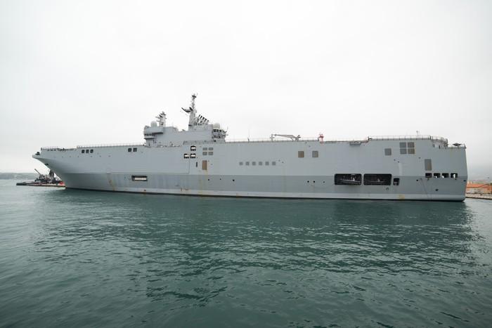Vinylová Tapeta Francouzské námořnictvo Mistral třída nosič vrtulník - Násilí a zločin