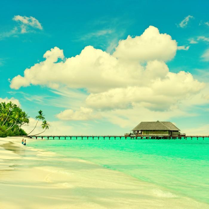 Sticker Pixerstick Tropicale plage de l'île avec de l'eau et le ciel bleu turqiuse - Thèmes