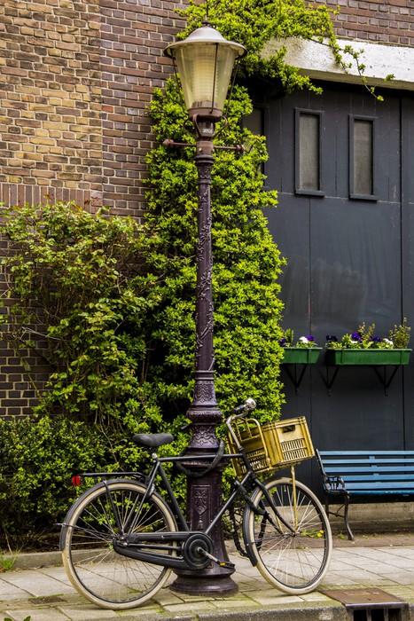 Vinylová fototapeta Půjčovna vázána na sloupu veřejného osvětlení v Amsterdamu - Vinylová fototapeta