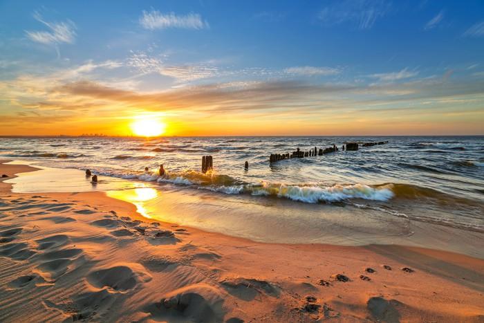 tableau sur toile coucher de soleil sur la plage de la mer. Black Bedroom Furniture Sets. Home Design Ideas