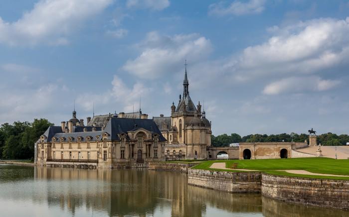Vinylová Tapeta Château de Chantilly. - Evropská města