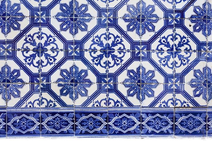 fototapete handgefertigte traditionelle portugiesische fliesen azulejos lissabon europa. Black Bedroom Furniture Sets. Home Design Ideas