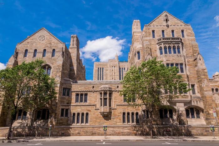 Vinylová fototapeta Yale univerzitní budovy v létě modré obloze v New Haven, CT USA - Vinylová fototapeta