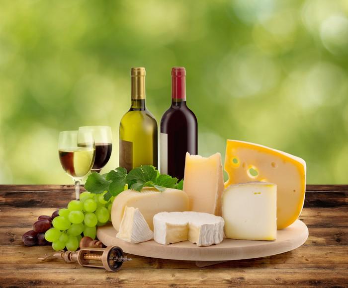 Vinylová Tapeta Ochutnávky vína a sýrů v přírodě - Sýry