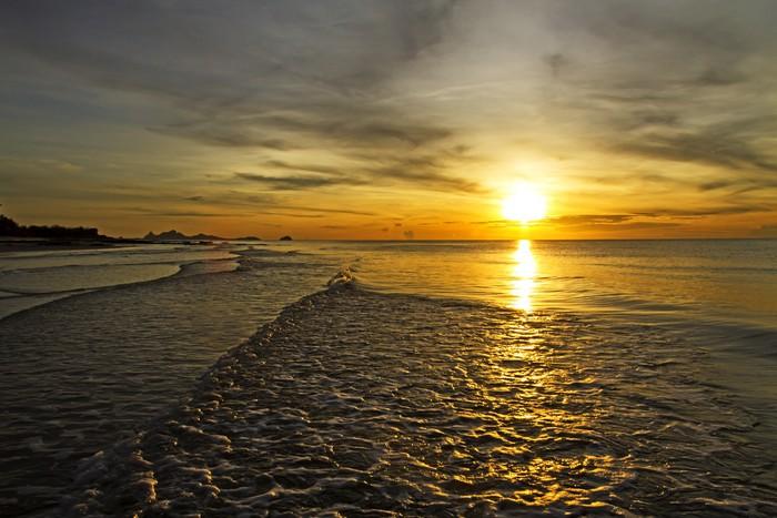 Vinylová Tapeta Sunrise rabiate zlatý na vodě - Nebe