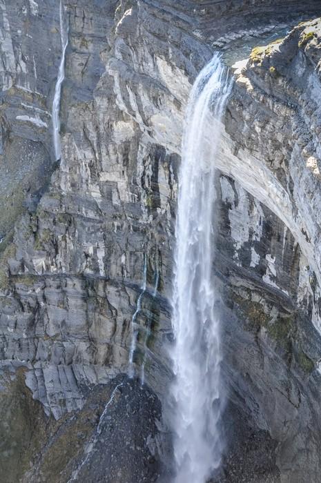 Vinylová Tapeta Vodopád ve zdroji řeky Nervion, Severní Španělska - Evropa