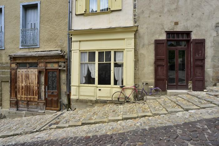 Vinylová Tapeta Ruelle sur fasáda du Puy en Velay - Prázdniny