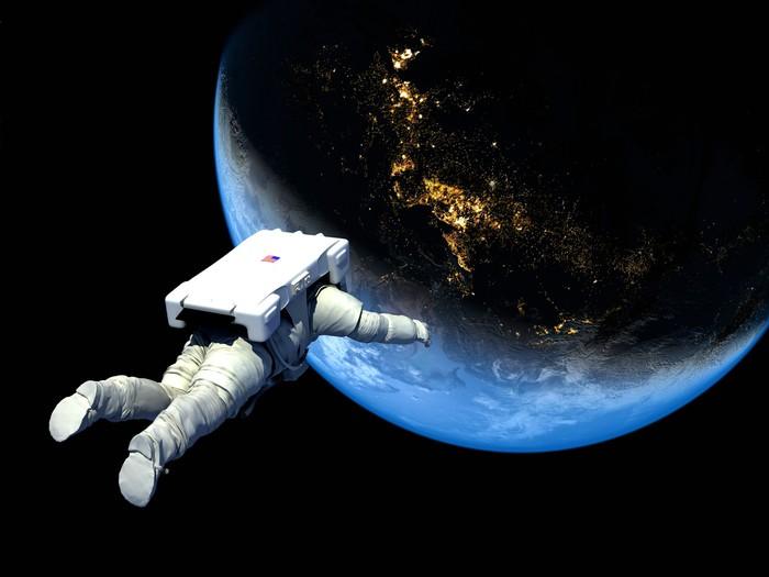 Vinylová Tapeta Astronaut - Meziplanetární prostor