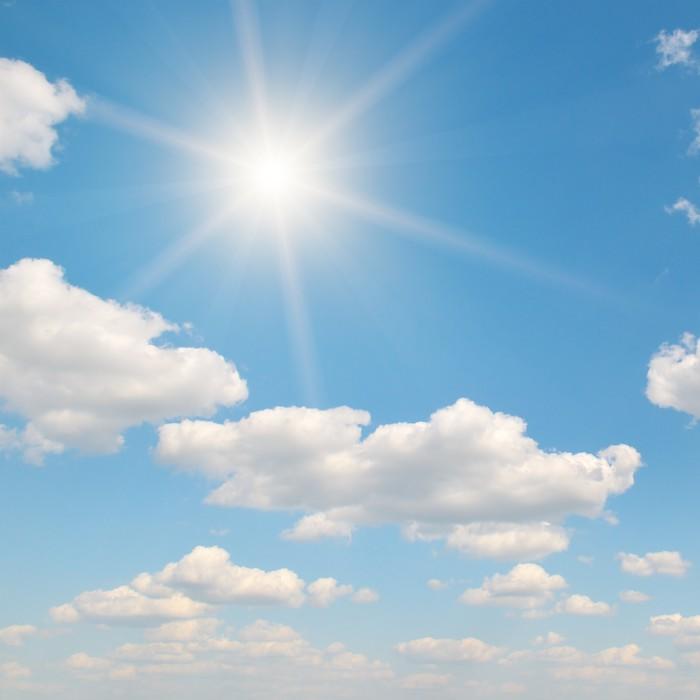 Vinylová Tapeta Slunce na modré obloze - Nebe