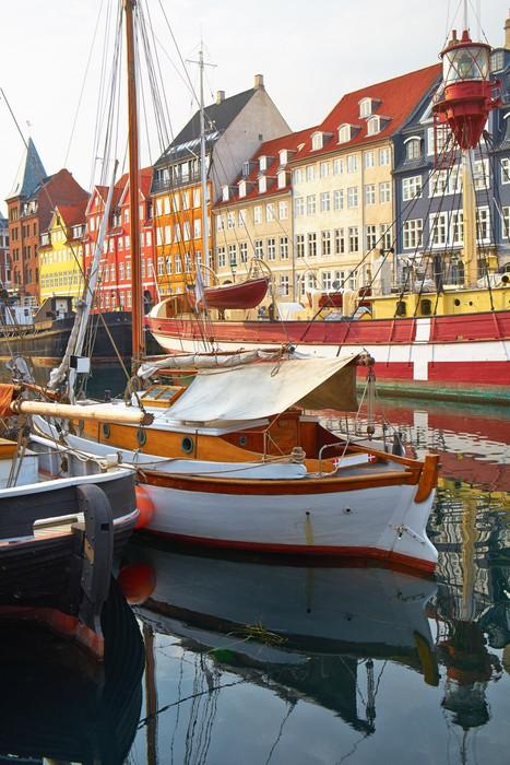 Vinylová Tapeta Tyto čluny a lodě v Nyhavn, Kodaň. - Evropa