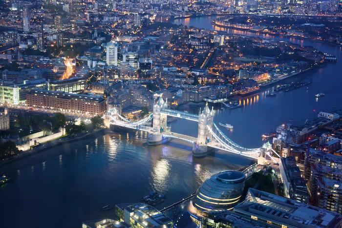 Vinylová Tapeta Londýn v noci s městskými architektur a Tower Bridge - Evropská města