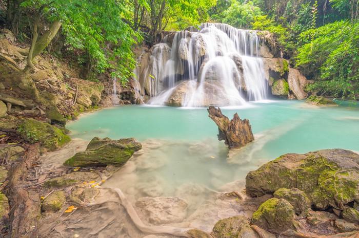 Vinylová Tapeta Třetí patro Huay Mae Kamin vodopádu - Voda
