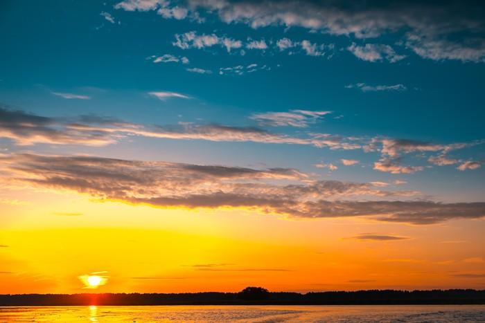 Vinylová Tapeta Úžasný západ slunce nad jezerem - Roční období