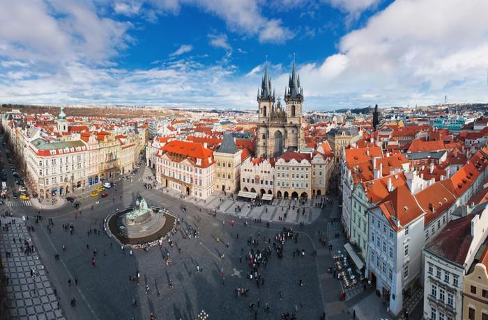 Vinylová Tapeta Široký úhel panorama z centrálního náměstí v Praze, Česká republika - Památky