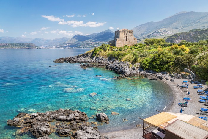 Tapete beach in san nicola arcella kalabrien italien for Design hotels kalabrien