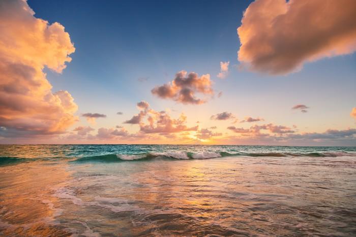 fototapete sonnenaufgang auf dem strand der karibik. Black Bedroom Furniture Sets. Home Design Ideas