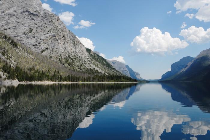 Vinyl-Fototapete Teufels Gap, Lake Minnewanka, Banff, Kanada - Wasser