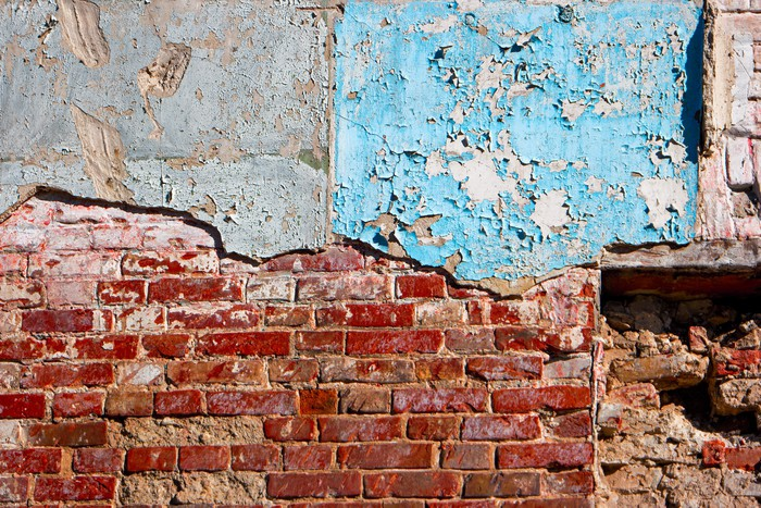 Vinylová Tapeta Polovina malované a polovina zvětralé cihlové zdi. Texturou. Vintage hledá detail. - Pozadí