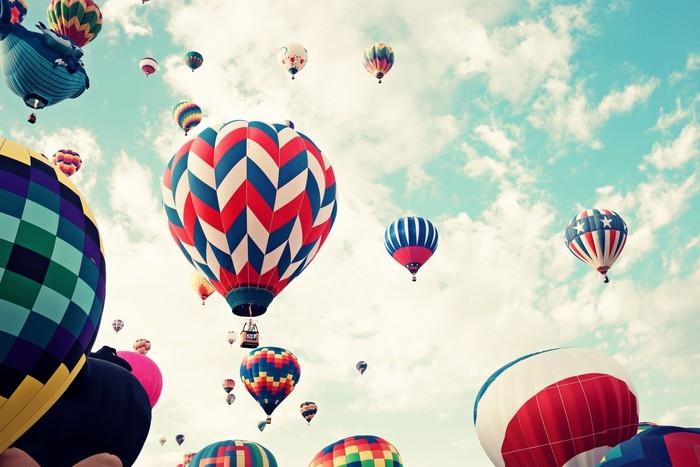 Fototapeta samoprzylepna Balony w locie, styl vintage - Transport